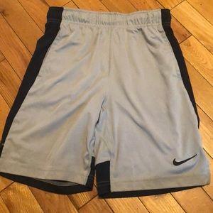 Nike youth size medium basketball shorts
